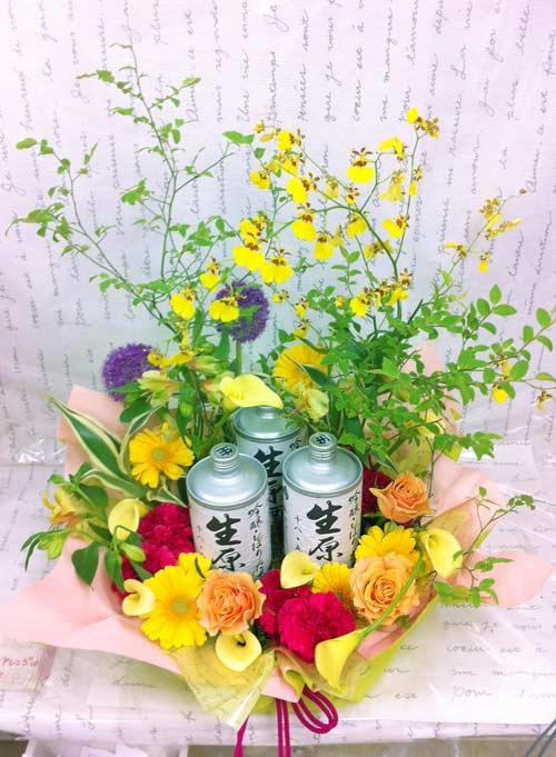 生缶と花のアレンジ